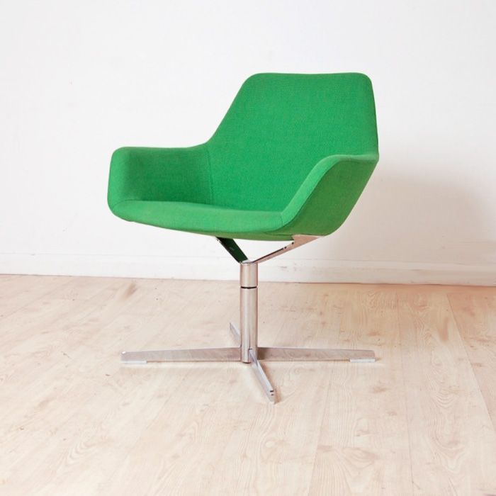 Hitch Mylius HM86a Reception Chairs Fabric Chair With Upholstered Arms Bu