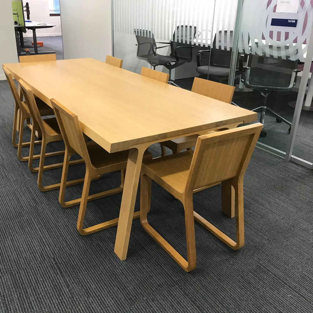 Montis doble meeting table and chairs wooden table and for Meeting table and chairs