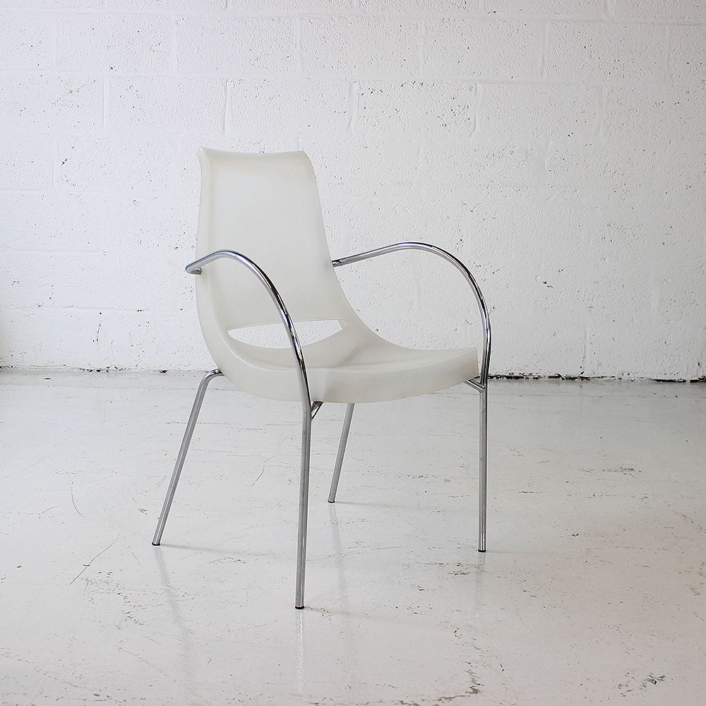 Stackable Chiacchiera Chair by Parri designed by Marco Maran | stacking white meeting chair | white canteen chair