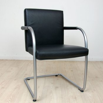 Vitra Visasoft Black Leather Meeting Chairs | black meeting chair | black cantilever chair